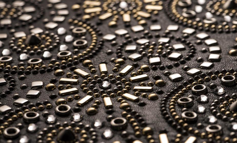 Prodotto 3 con applicazione graffettato borchie e strass | Goretti lavorazione per la moda